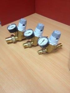 """Tres reductoras de presión de agua de 1"""", 3/4"""" y 1/2"""""""