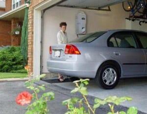 Carga de gas vehicular con un compresor de gas instalado en casa